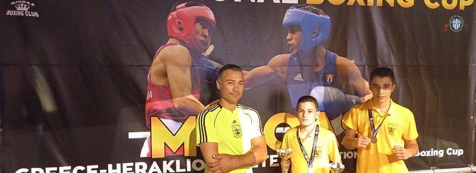 Πυγμαχία: «Χρυσός» ο Κωνσταντινούδης, «χάλκινος» ο Τσολάκης