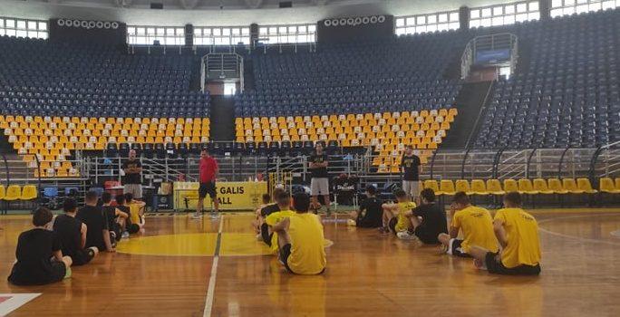Ακαδημία Μπάσκετ: Ο Σάββας Καμπερίδης στο Camp του ΑΡΗ (pics)