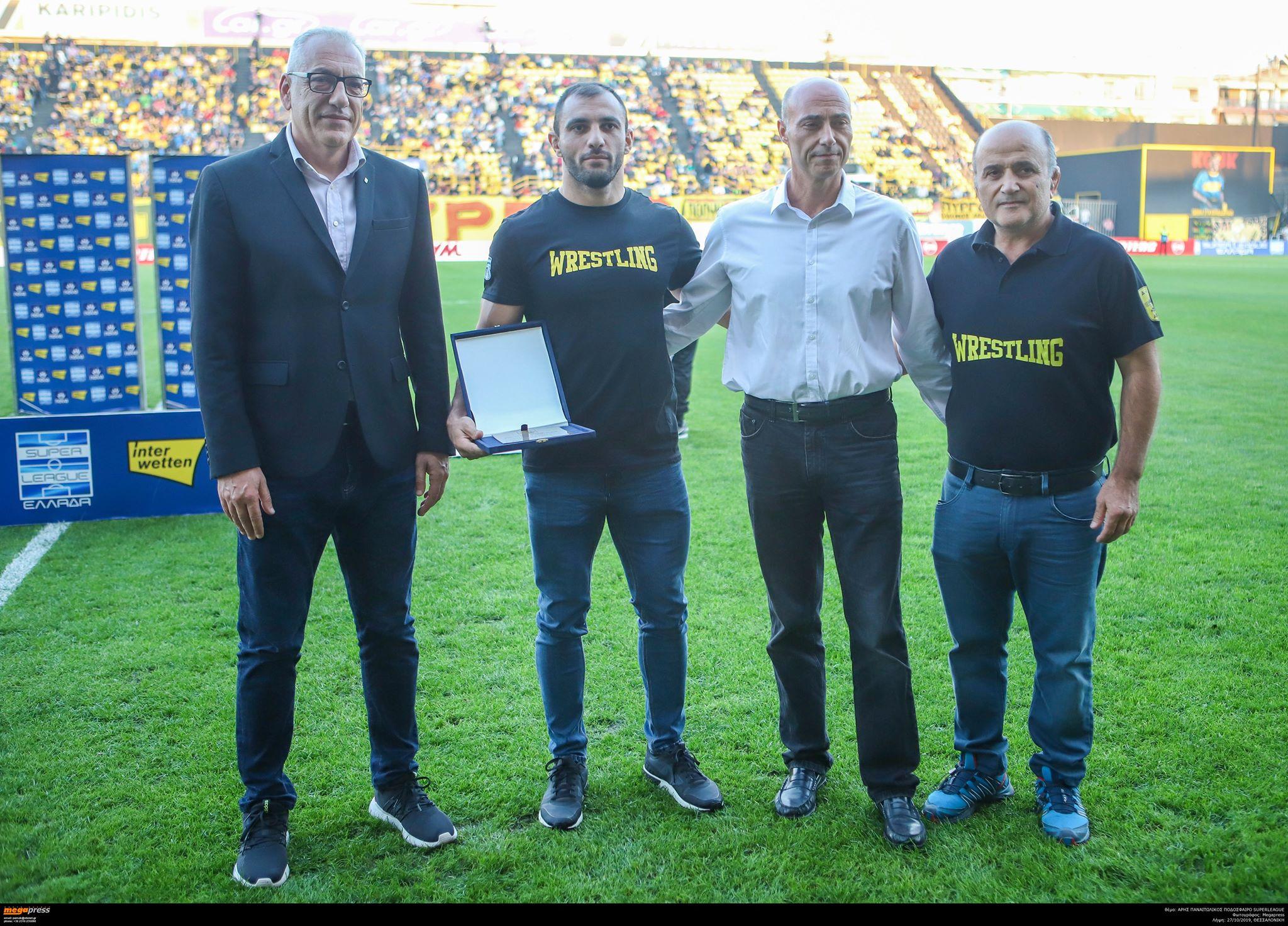 Βραβεύτηκε και αποθεώθηκε ο Κουλουχίδης (photos)